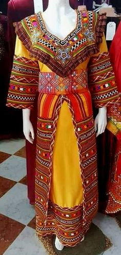 Robe Archives - New Ideas Robes Vintage, Traditional Dresses, India, Culture, Costumes, Caftans, North Africa, Fashion Designers, Religion