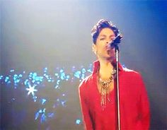 the beautiful one Prince Gifs, Prince Images, When The Doves Cry, Starfish And Coffee, Best Friends Brother, High School Memories, Prince Purple Rain, Roger Nelson, Prince Rogers Nelson