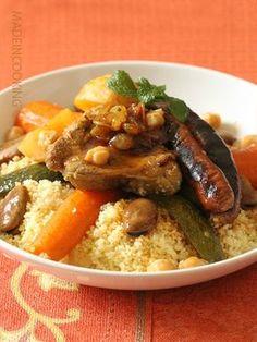 Couscous à la marocaine - Moroccan couscous Couscous Dishes, Couscous Recipes, Pasta Dishes, Food Dishes, Mediterranean Couscous, Mediterranean Dishes, Moroccan Dishes, Easy Salads, Gourmet