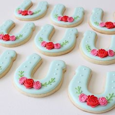 "Horseshoe Sugar Cookies Rachel Anne (@thefrostedpearl) on Instagram: ""It's Kentucky Derby time! """