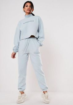 Light Blue Co Ord Fleece Slogan Joggers. Order today & shop it like it's hot at Missguided. Cute Comfy Outfits, Warm Outfits, Sporty Outfits, Joggers Outfit, Athleisure Outfits, Sweatpants, Co Ords Outfits, Square Pants, Korean Fashion Casual