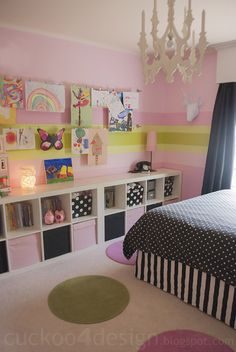 Great toy storage idea for the Boys room.  Instead of pink and black, I could do green and black!