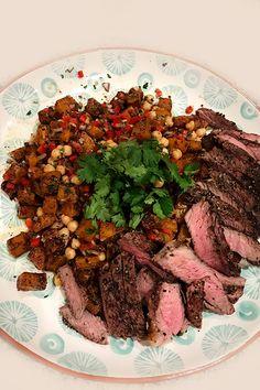 RUMP STEAK WITH ROASTED BUTTERNUT SALAD · food4four Rump Steak, Roasted Butternut, Easy Dinners, Salad, Beef, Healthy, Food, Meat, Essen