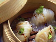 Im Bambuskorb gedämpfte Dim Sum ist ein Rezept mit frischen Zutaten aus der Kategorie Gemüse. Probieren Sie dieses und weitere Rezepte von EAT SMARTER!