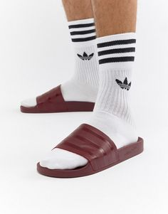 huge selection of db108 6617a adidas Originals Adilette Sliders In Red CQ3095