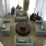 Bate papo na sala de estar - como decorar salas grandes