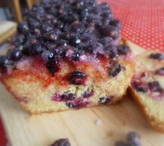 The English Kitchen: Black Currant Drizzle Cake