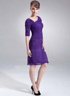 Sheath/Column V-neck Knee-Length Chiffon Mother of the Bride Dress With Ruffle (008006130)