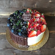 Torta yin yan - Cakes & Co. Cake Cookies, Cupcake Cakes, Party Cupcakes, Just Desserts, Delicious Desserts, Bolos Naked Cake, Cake Recipes, Dessert Recipes, Drip Cakes