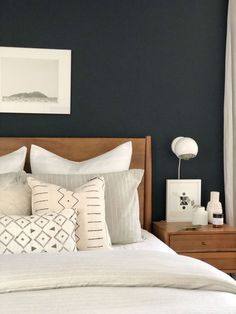 Turn Your Master Bedroom Into A Bohemian Sanctuary - Nikola .- Turn Your Master Bedroom Into A Bohemian Sanctuary – Nikola Kosterman Turn Your Master Bedroom Into A Bohemian Sanctuary – Nikola Kosterman - Small Master Bedroom, Cozy Bedroom, Home Decor Bedroom, Modern Bedroom, Bedroom Ideas, Bedroom Designs, Contemporary Bedroom, Narrow Bedroom, Bedroom Black