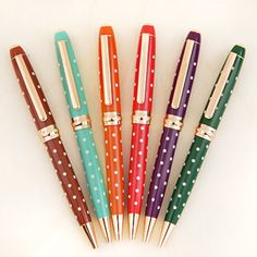 Adorable Retro Dot Pen from http://www.mochithings.com