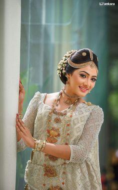 Sari Wedding Dresses, Bridal Sari, Bridesmade Dresses, Wedding Sari, Wedding Bride, Bridal Dresses, Bridesmaid Saree, Brides And Bridesmaids, Bride Pictures