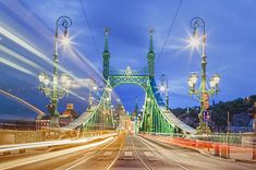 https://flic.kr/p/eWXnhQ | Twilight at Liberty Bridge (Budapest)