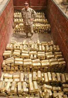 Gold haul in Iraq 2003 Gold Bullion Bars, Money Pictures, Gold Everything, Gold Prospecting, Money Stacks, Gold Money, Money Affirmations, Silver Coins, History