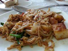 char kueh (pan fried white carrot cake)