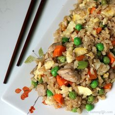 Skip the wok and make this easy, oven-baked sheet pan recipe with traditional Asian fried rice ingredients and flavors. This healthy recipe uses brown rice. Pan Recipe, Rice Ingredients, Healthy Food, Healthy Recipes, Oven Chicken, Marinated Chicken, Rice Vinegar, Oven Baked, Brown Rice