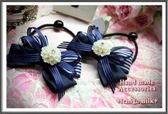 白花のカポション・紺リボンのヘアゴム(フォーマルにも♪)
