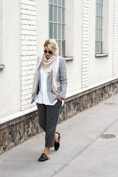 AUTUMN TREND REPORT: CHECKED BLAZER Checked Blazer, Fall Trends, Stylus, Leggings, Autumn, Chic, Fashion, Shabby Chic, Moda