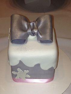 Snow-Themed Cakes | Snow themed cake