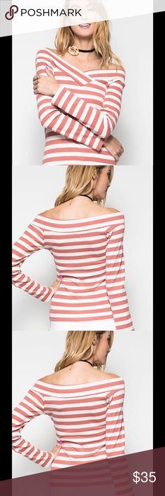 Long sleeves striped top Basics to your closet! Long sleeve ribbed off shoulder boat neck knitted top with stripes. Composition : 60% cotton, 40% rayo. Tops Tees - Long Sleeve