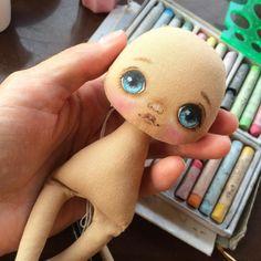 565 отметок «Нравится», 9 комментариев — О Куклах ©ОЛЛИ и не только (@kukla_olly) в Instagram: «Я рисую, скоро новые малышки #куклаолли #оллирисует #кукла #куколка #куклакупить #doll #dolls»