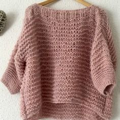 Pull plume manches 3/4  apalga mohair demoiselle jeanne Quick Crochet, Knit Crochet, Knitting Designs, Knitting Patterns, Pull Grosse Maille, Coin Couture, Cute Comfy Outfits, Crochet Clothes, Pulls