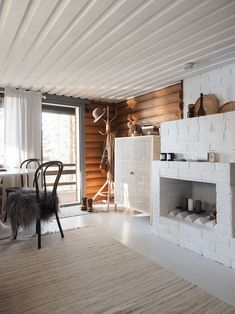 Country Modern Home, Modern Farmhouse Design, Country House Interior, Small Log Cabin, Living Etc, Cottage Interiors, Industrial Chic, Interior Architecture, Sweet Home
