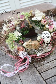 """Decorative objects - :::: Small table wreath """"Happy Easter"""" :::: - a designer piece . Spring Door Wreaths, Easter Wreaths, Hoppy Easter, Easter Eggs, Diy Christmas Garland, Easter Holidays, Diy Flowers, Decorative Objects, Decoration"""
