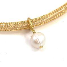 Crochet Jewellery, Schmuck Design, Wire Work, Art Market, Gift Guide, Vintage Items, Gold, Beaded Bracelets, Creative