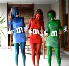 I would TOTALLY do this for Halloween or any costume party for that matter! Costume Halloween, M&m Costume, Halloween Mono, Holidays Halloween, Halloween Diy, Costume Craze, Halloween Clothes, Couple Halloween, Happy Halloween