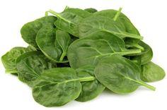 Spinaci. Se è stato sfatato il mito che gli spinaci sono gli ortaggi più ricchi di ferro, rimane comunque vero che contengono calcio in buona quantità. Bisogna però aspettare la primavera per consumare gli spinaci freschi così da assicurarsi tutte le loro proprietà nutritive.