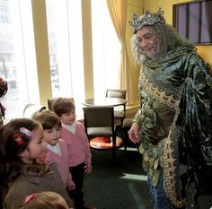 Metropolitan Opera @MetOpera Feb 20 Plácido Domingo took a break from Enchanted Island rehearsals today to visit with some of his littlest fans.