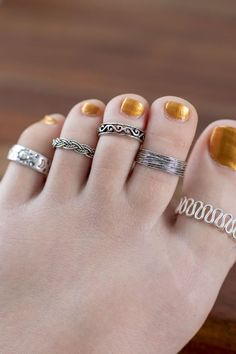 Sterling Silver Jewelry Sterling Silver Toe Ring - Add a sweet hippie vibe to your summer style with a sterling silver toe ring. These toe rings come in your choice of boho chic patterns and is fully adjustable. One size fits most. Gold Jewelry, Jewelry Rings, Fine Jewelry, Craft Jewelry, India Jewelry, Diamond Jewelry, Sterling Silver Toe Rings, Gold Rings, 925 Silver