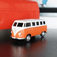 Ridaz Officially licensed 1:32 VW T1 Bus Bluetooth Speaker. Rechargeable via USB with incredible good sound. Must have for any VW car enthusiast! #volkswagen #t1campervan #t1bus #volkswagent1 #carenthusiast #campervan #vw #vwbus #vwt1lovers #vwlovers #bluetoothspeaker Volkswagen T1, T1 Bus, Vw Cars, Campervan, Bluetooth, Usb, The Incredibles