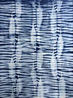 Indigo Shibori Fabric Fat Quarter by CapeCodShibori on Etsy Kona Cotton Shibori Fabric, Shibori Tie Dye, Japanese Textiles, Japanese Fabric, Shibori Techniques, Textiles Techniques, Indigo Dye, Fabric Manipulation, How To Dye Fabric