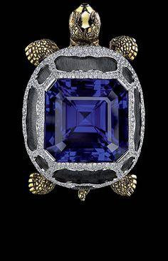 18K white gold   835 diamonds 4,83-4,86 ct  1 octagon tanzanite 67,76-67,79 ct