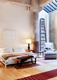 Loft in New York love the use of materials, and the concrete columns