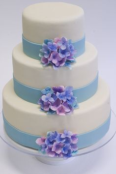 Hydrangea Flower Wedding Cake --- Those little guys better be edible, that's all I'm sayin'!