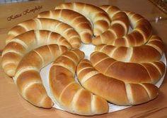 Nos újra a kenyeres csoportban bukkantam erre a csoda finom kifli receptre, Nagy István tette közé, természetesen nekem ezt is ki kellet...