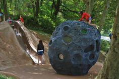 Genialith Playground, Julien Amouroux, Lyon France, 2013 | Playscapes