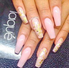 ✨ By: @siicc_glam  Polish: @ciatelondon ✖️ Cutie Pie ---------------------------------------------------------- #nails #nail #notd #style #hudabeauty #cute #beauty #beautiful #instagood #pretty #girl #girls #stylish #sparkles #styles #gliter #nailart #opi  #essie #unhas #preto #branco #rosa #love #shiny #polish #nailpolish #nailswag #anastasiabeverlyhills #vegas_nay