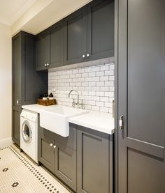 Laundry - nice colours and floor tiles