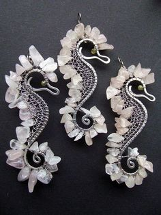 Wire Jewelry For Beginners -- Click Visit link above to read Wire Crafts, Jewelry Crafts, Jewelry Art, Jewelry Design, Jewelry Ideas, Wire Wrapped Jewelry, Metal Jewelry, Beaded Jewelry, Handmade Jewelry