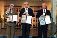 """El Desastre de Oslo – Por Prof. Efraím Karsh """"Veintitrés años después de su eufórico lanzamiento sobre el césped de la Casa Blanca"""", Karsh escribe sobre este amplio estudio, """"el 'proceso de paz' de…"""