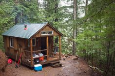 tiny-cabin-in-the-woods-1  Can this be my new house, please!