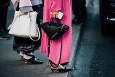 パリの街を参考に 今夏ウィッシュリストに入れたいバッグ小物