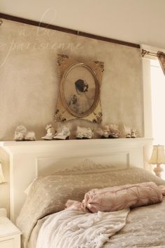 à la parisienne: Christmas Dressing: The Mantle, I would do this all year round...now where can I do this!?