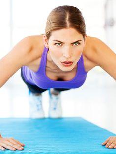 Von Kniebeuge bis Liegestütze - mehr brauchen Sie nicht. Die Übungen aus der Schulzeit sind die besten Fitnessübungen für zu Hause und