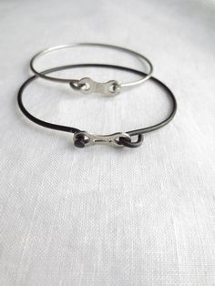 Recycled Bicycle Jewelry Bicycle Spoke and Chain Link Bracelet Bicycle Crafts, Bike Craft, Bicycle Art, Recycled Bike Parts, Bicycle Spokes, Velo Vintage, Bicycle Accessories, Metal Jewelry, Bracelets