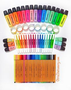 Set of 25 STABILO Point 88 Fineliners - Pens, highlighters, pencil case organize. Middle School Supplies, Diy School Supplies, Stationary School, School Stationery, Notebook Stationery, Stationary Supplies, Diy Notebook, Study Room Decor